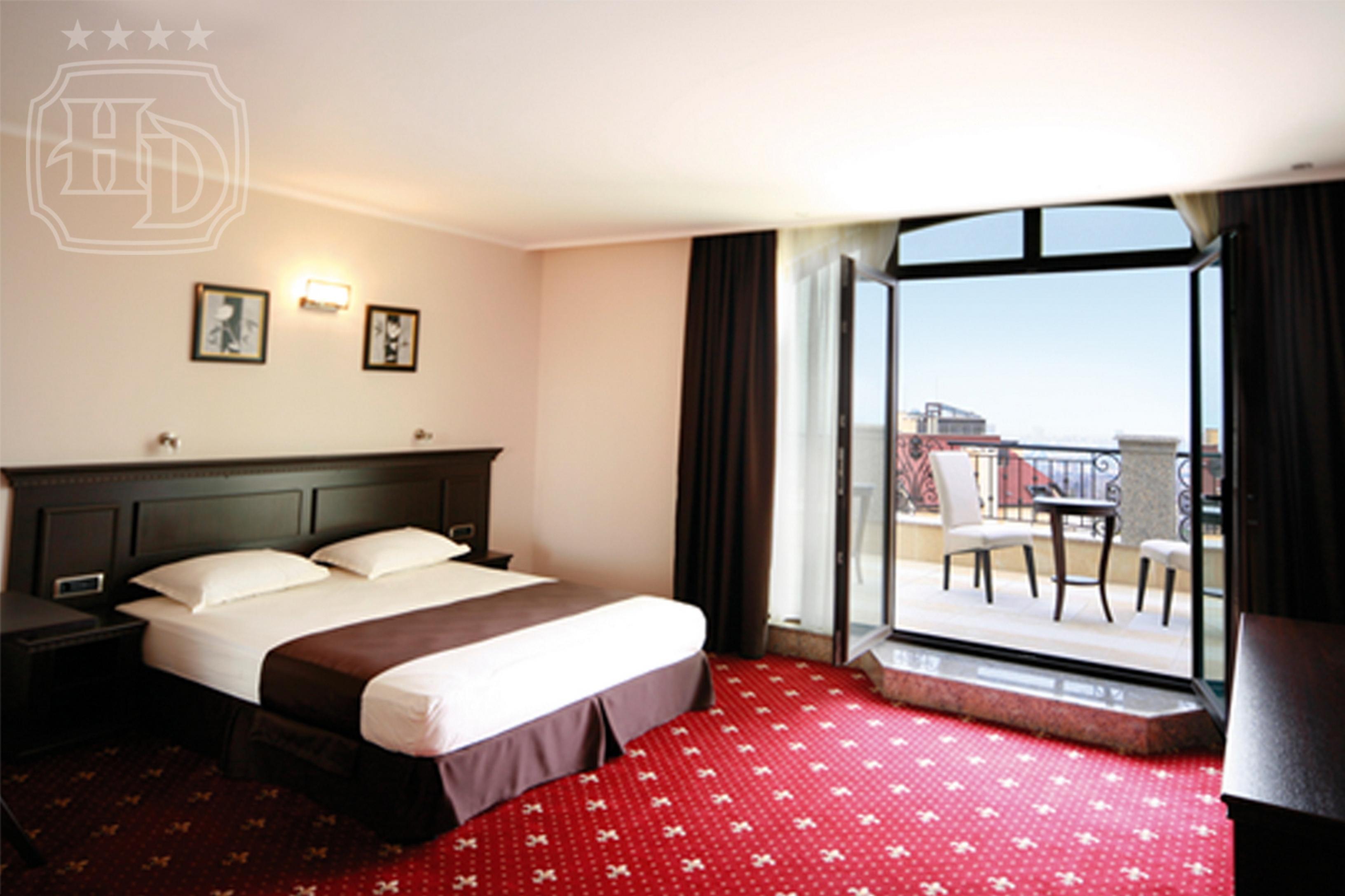Luxury Room1